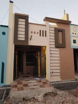 2bhk मकान 20लाख 50 हजार में लाल इटो से बना हुआ