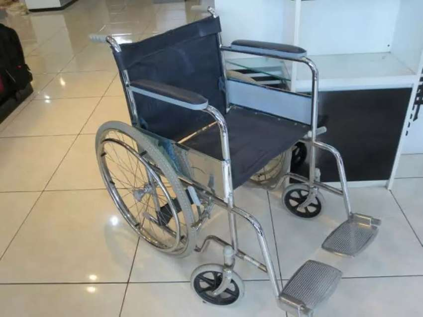 Kursi roda serinity crome
