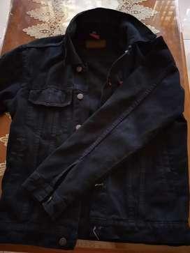 Dijual jaket denim ukuran M, ke adaan masih mulus