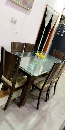 Dinning Table & Charis for Sale