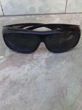 Kacamata UV ice siang hari