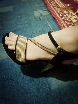 Black & golden heel fancy