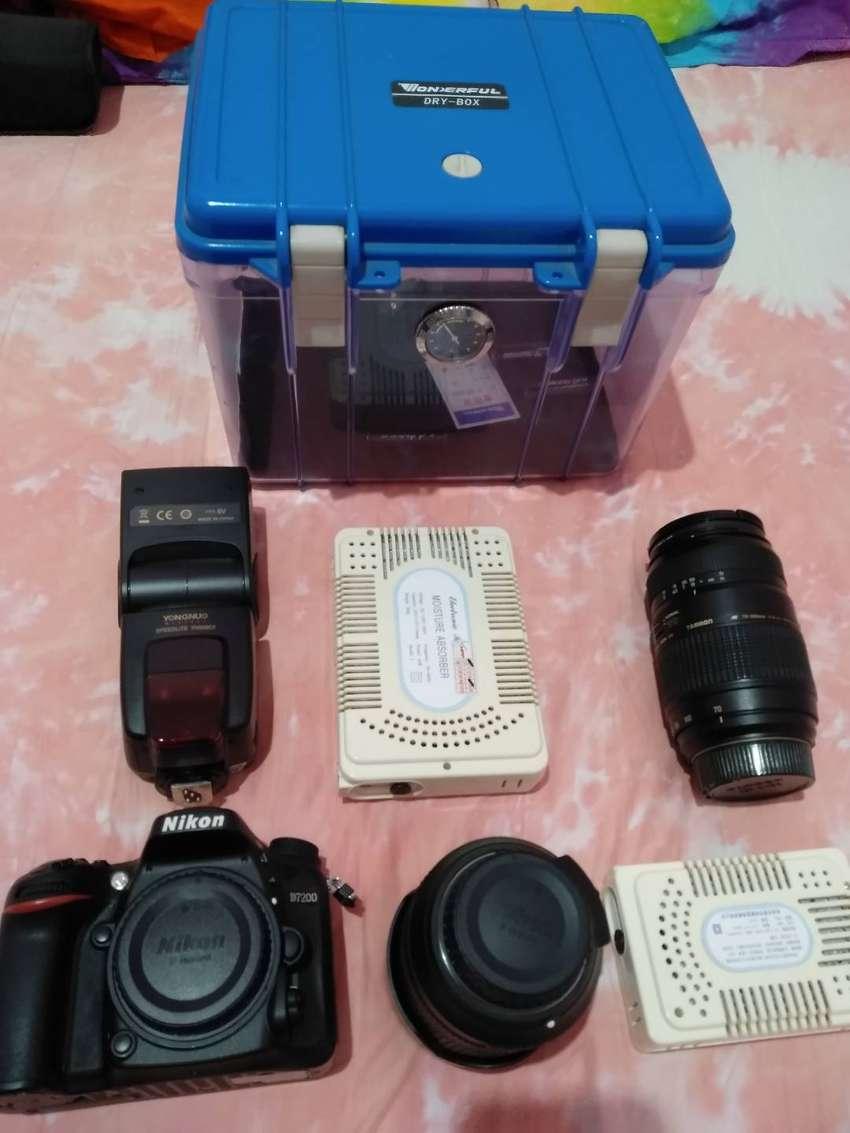 Nikon D7200 kit, 2 lensa Dan flash lengkap 0