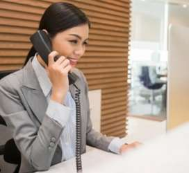 Need front office receptionist women