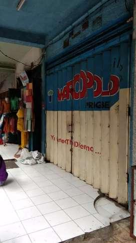 Toko di pertokoan dekat pasar Badung pusat bisnis denpasar