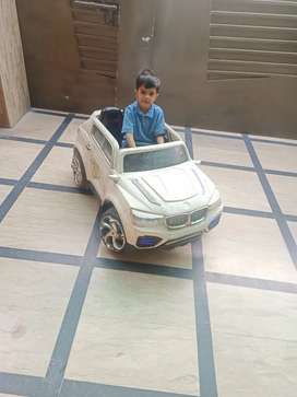 Kids car with 12 v 7 amp battery