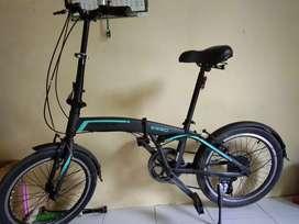 Sepeda lipat second terasa baru