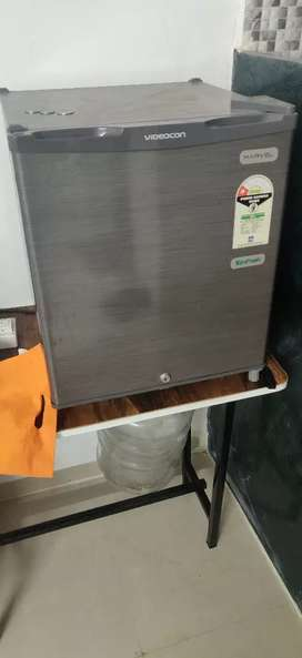 Small fridge 1 yr old with Bill and warranty