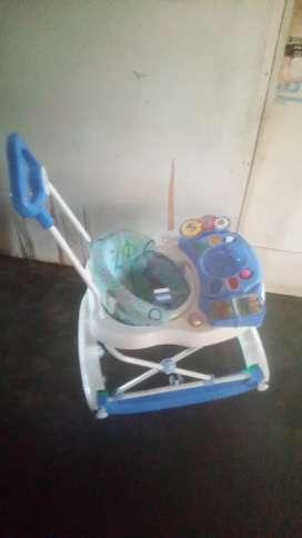 Baby walker bisa ayunan