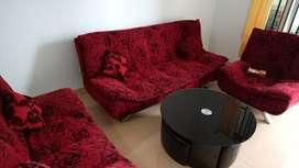 Dijual Cepat Sofa dan Meja