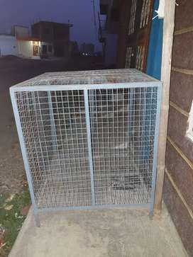 Dog cage new condition