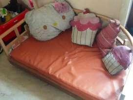 Kids cot /sofa