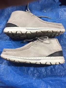 Sepatu skechers full kulit size 42,5