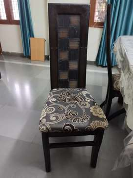 6seater dining table with chairs