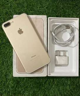 IPhone 7plus 128gb in good new condition with box charger