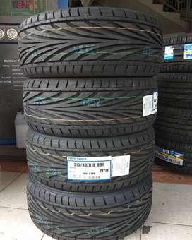Ban murah Toyo Tires lebar 215 40 ZR18 Proxes T1R Camry