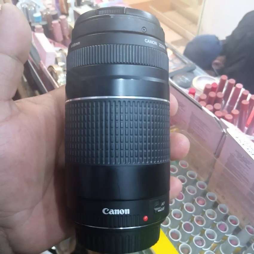 Canon 75/300 mm zoom lens like new 0