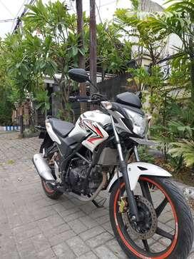 Honda CB 150 white seperti Baru surat lengkap Hidup Low KM