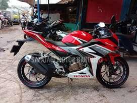 LOW KM 7000 Honda CBR 2016 98%Dijamin seperti baru