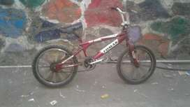 Fomas bicycle full in condition with free wheel
