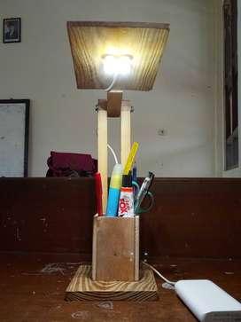 Lampu Belajar dari Kayu