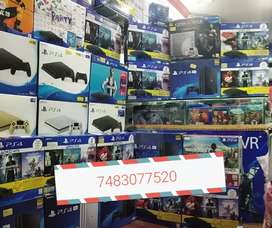 Ps4  consoles in mint condition 1 year warranty