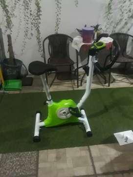 Alat fitnes sepeda statis belt 8215 tl