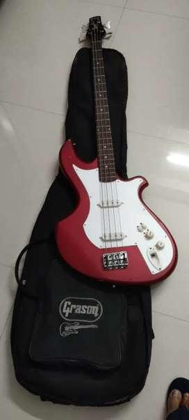 Bas Guitar