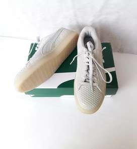 Preloved sepatu PUMA ori size 38 kondisi seperti baru lengkap box