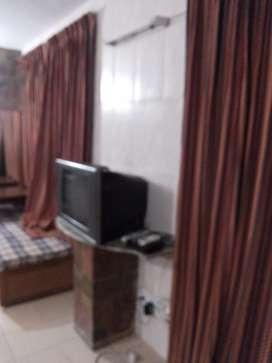 Renting 1 bedroom on an independent floor