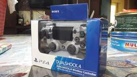PS4 Controller Brand New, box pack