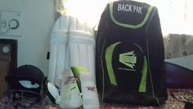 Unuse Cricket kit for age till 15 years old without bat with back pack
