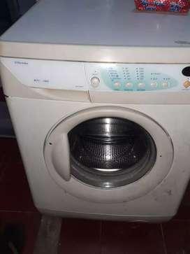 Di jual mesin cuci electrolux