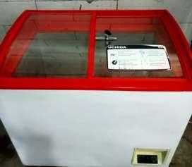 Freezer sleeding kaca 200L Uchida