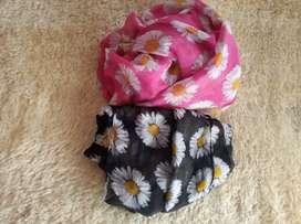 Sale 2 pcs pashmina daisy motif pink dan hitam jilbab wanita cantik
