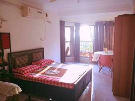 NO BROKERAGE :PAYING GUEST ROOM IN JUHU