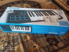 Midi Keyboard Alesis V-25