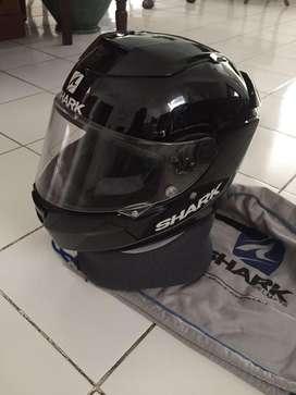 helm shark bekas kondisi oke