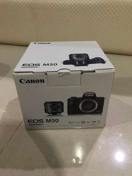 Canon EOS M50 BEKAS SECOND LENGKAP