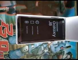 Di jual HP Samsung J8 (fullsett)