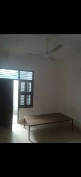 a 2 bhk [6000