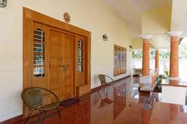 AT THRISSUR TOWN - 4 BHK INDEPENDENT HOUSE FOR SALE