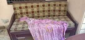 3+2 sofa good condition, with storeg box
