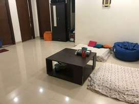 Room available for girls in S.B apartment near tivoli garden