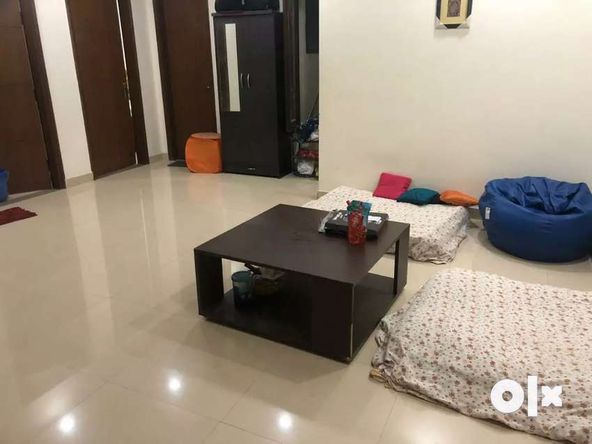 Room available for GIRLS ONLY 0