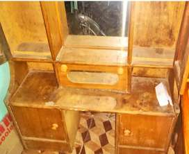 Top condition dressing table with minimum price