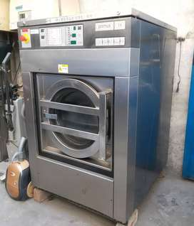 Commercial washing machine primus 16