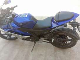 Yamaha R15 top condition