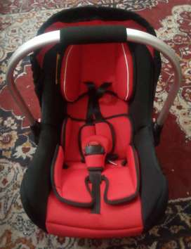 Carry Cot + Car Seater