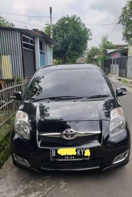 Toyota Yaris 1.5 E,Th 2010 plat B an.sndiri pjk baru,istmw